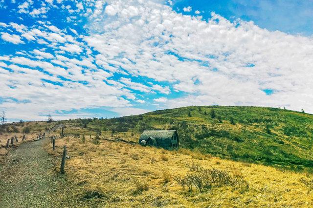 信州の真ん中に位置する一座  鉢伏山